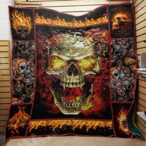 Skull On Fire Quilt Blanket Great Customized Gifts For Birthday Christmas Thanksgiving Perfect Gifts For Skull Loverquilt Blanket Great Customized Gifts For Birthday Christmas Thanksgiving Perfect Gifts For Skull Lover