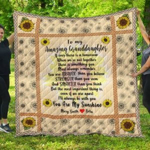 To My Amazing Granddaughter Quilt Blanket