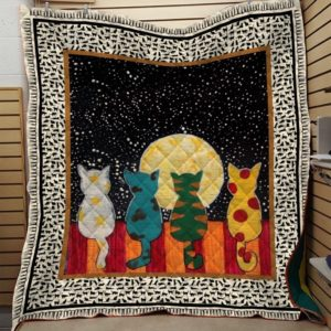 Cat Friends Cat Looking At The Moon Quilt Blanket Great Customized Blanket Gifts For Birthday Christmas Thanksgiving Anniversary